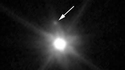 luna escondida en nuestro sistema solar captada por el hubble