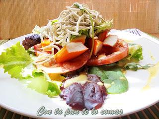 Ensalada de gulas y surimi