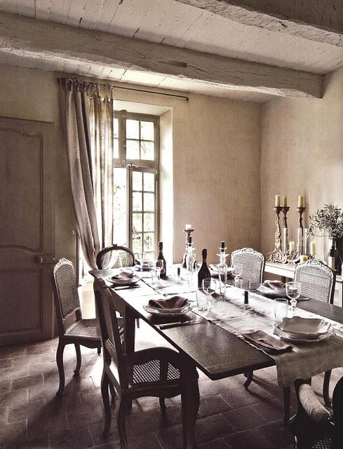 Boiserie c arredamento stile provenzale grigio miele for Stile provenzale arredamento