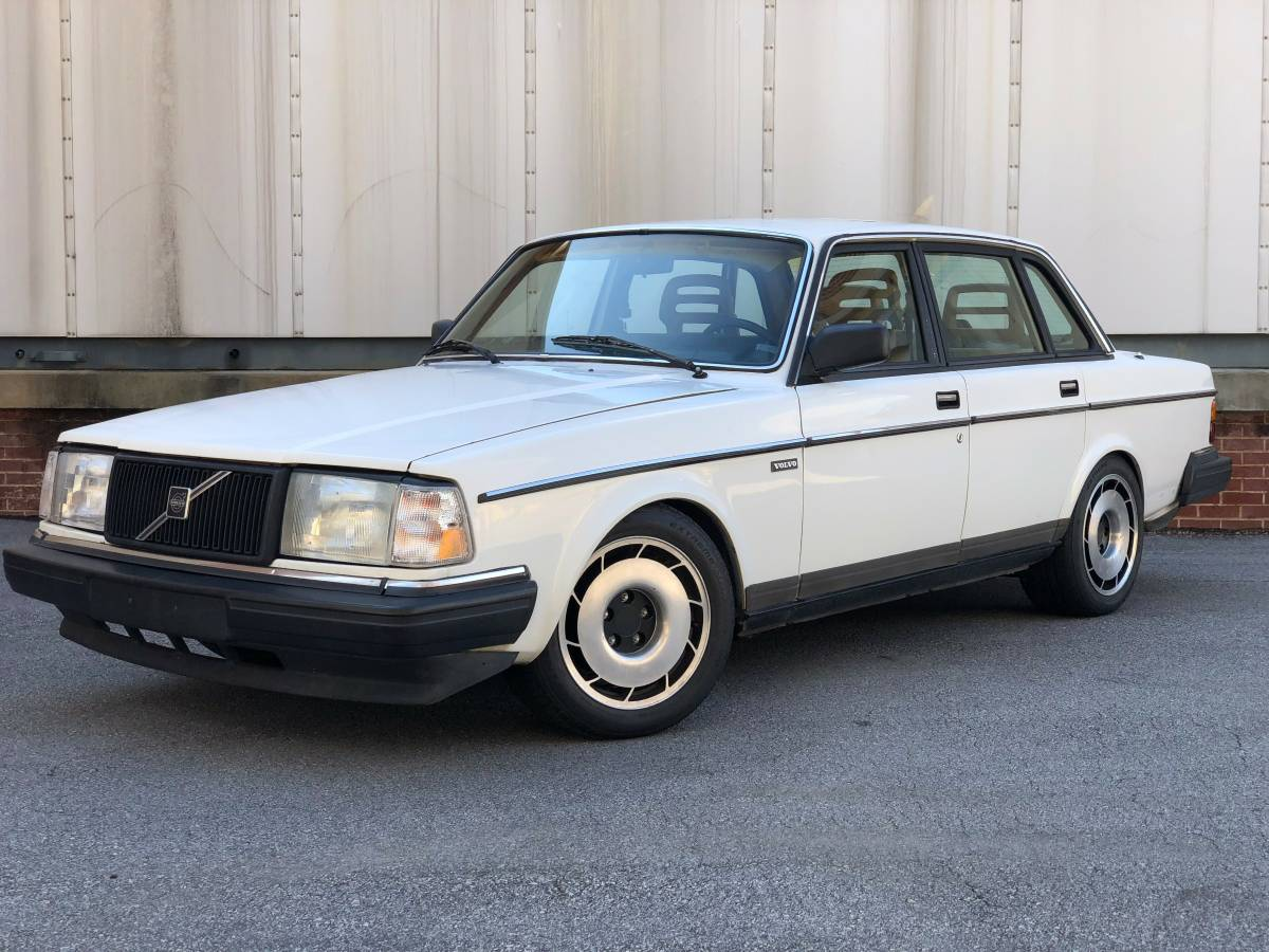 Daily Turismo Ls V8 Swapped 1990 Volvo 240 Dl. Drop An Lm4 Small Block V8 From Some Kind Of GM Suv And Start Burning Rubber Find This 1990 Volvo 240 Dl Offered For 5900 In Cary Nc Via Craigslist. GM. Volvo GM 1990 Fuse Box Diagram At Scoala.co
