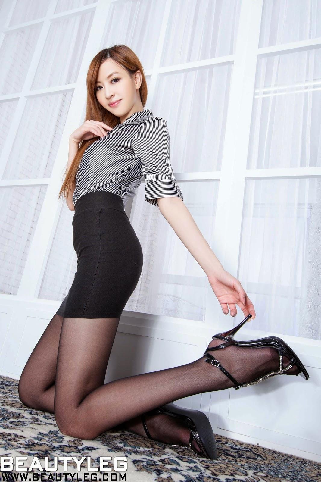 lucy beautyleg model i