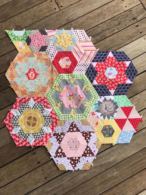 Paper Pieced Smitten Quilt by Anorina Morris