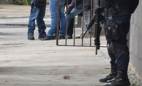 """LIBRE POLICÍA ACUSADO DE FUGA DE """"EL CHAPO GUZMÁN"""""""