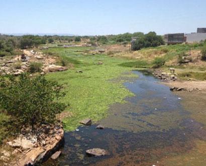 Adutora que abastece parte do Seridó para de funcionar devido ao baixo nível do rio Piranhas