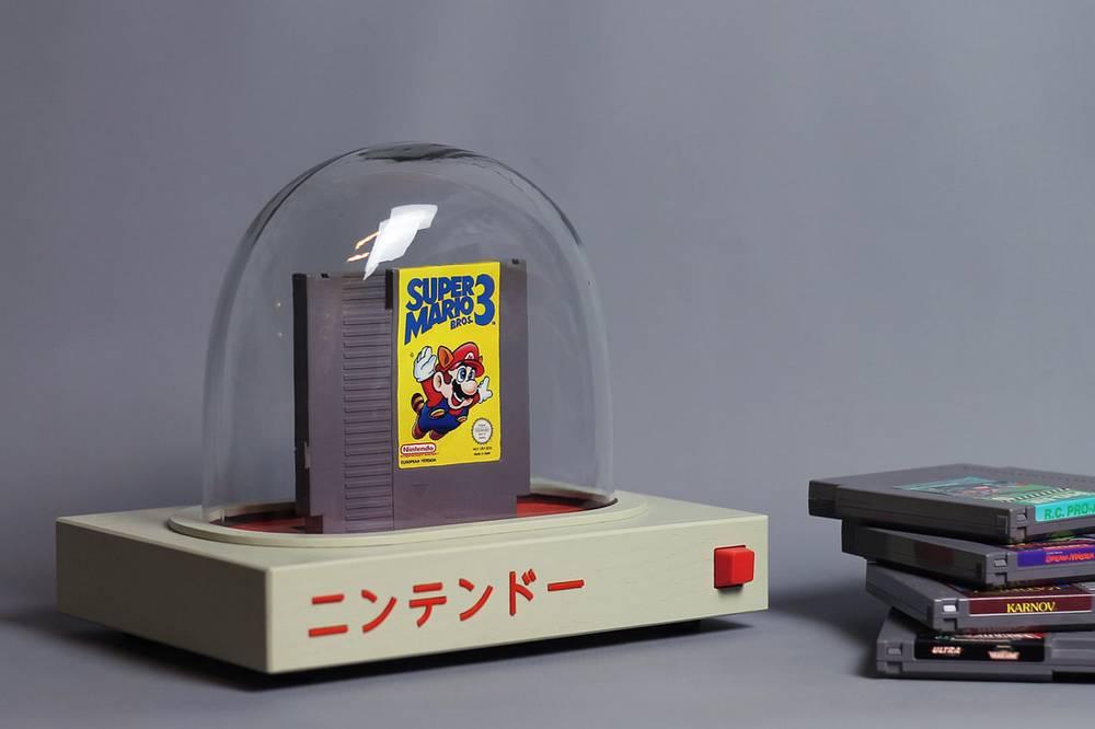 Main game Nintendo di dalam tabung kaca mirip akuarium (lovehulten.com)