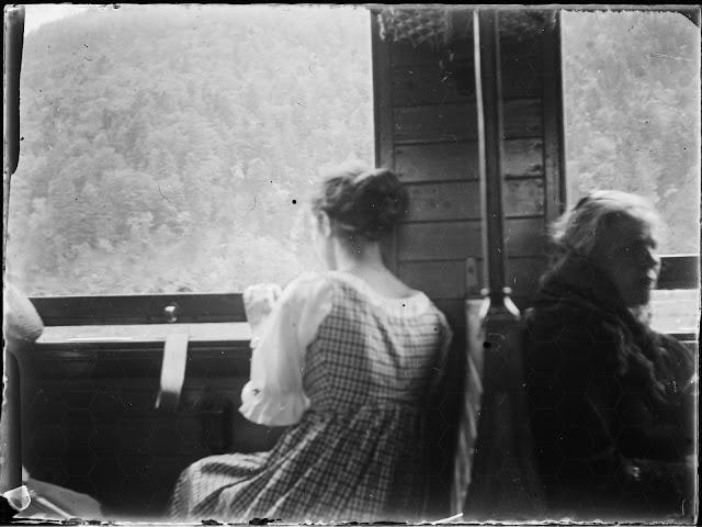 Innenaufnahme Bahnfahrt - Garmisch–Reutte - um 1914-1920
