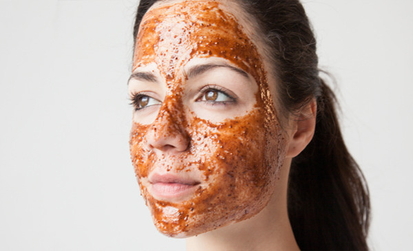 Remove Pimples and Wrinkles Fast With This DIY Face Mask