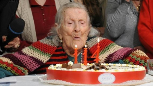 What food consumed daily oldest woman in the world