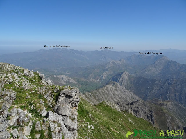 Vista de Peña Mayor y la Xamoca desde Peña Mea
