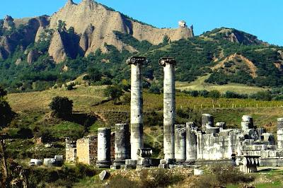 Türkiyenin Dünya Mirasına Kazandırdığı Doğal Güzelliklerden Biri Olan Sardes Antik Kenti