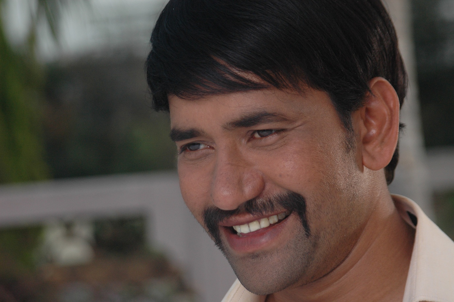 Dinesh Lal Yadav 'Nirahua' wiki, Biography, Nirahua Wife, Profile details. Bhojpuri actor, Singer Dineh Lal Yadav  filmography wiki, upcoming movies list info, Check out Dinesh Lal Yadav, Amrapali dubey Latest HD photos, Images, Wallpaper