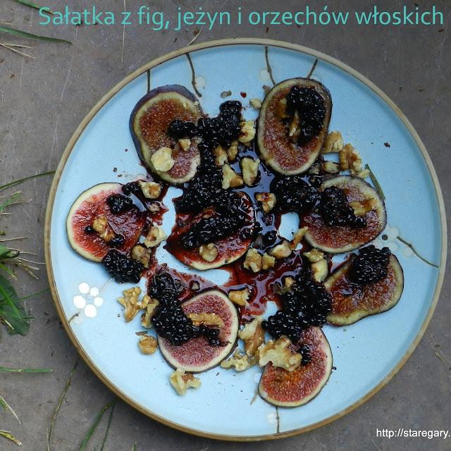 Sałatka z fig, jeżyn i orzechów włoskich