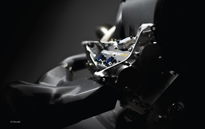 motore Renault V6 Turbo 1600cc vista anteriore di 3/4