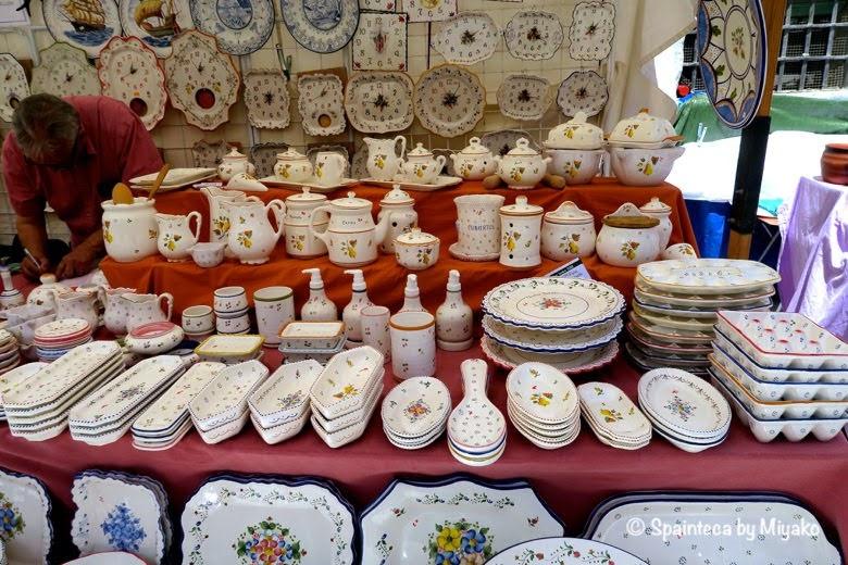 Feria de la Cacharrería マドリードの陶器市に並ぶ素敵な陶器の食器