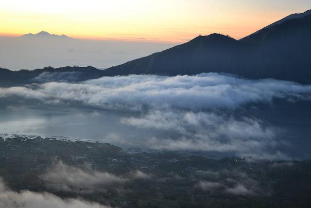 foto sunrise di gunung batur bali