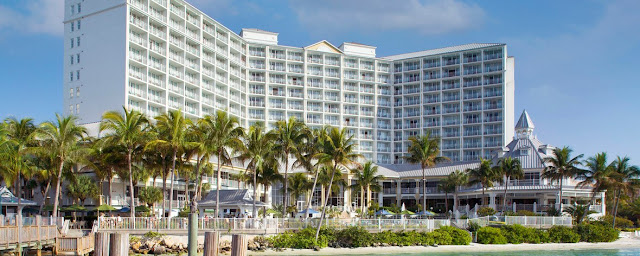 Sanibel Harbour Marriott Resort & Spa is an unforgettable hotel destination in Fort Myers, with several restaurants, a luxury spa, event spaces and more.