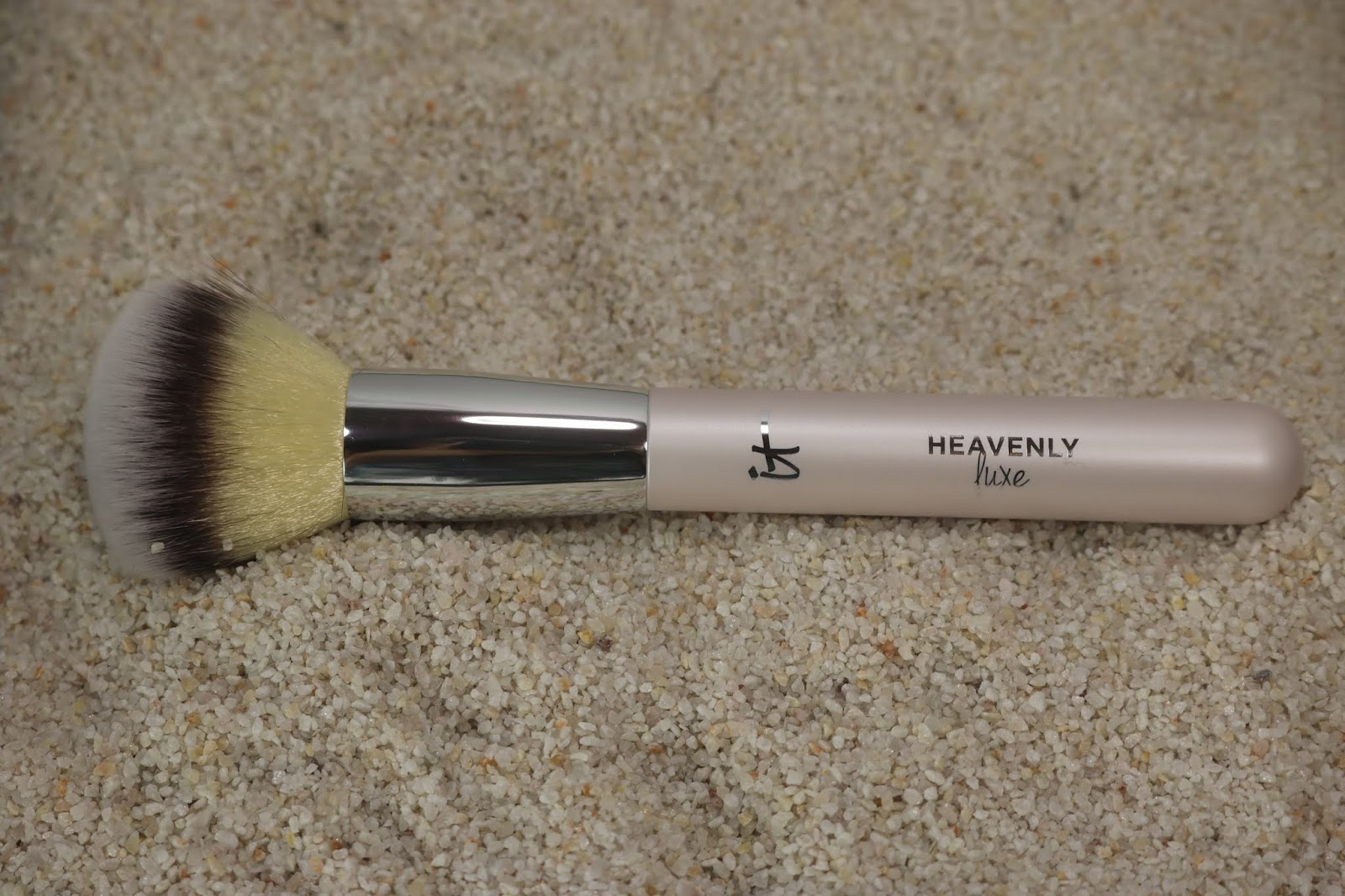 IT Cosmetics Heavenly Luxe Buffing Foundation Brush