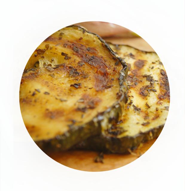 przepis na grillowaną cukinię w marynacie cytrynowo-ziołowej
