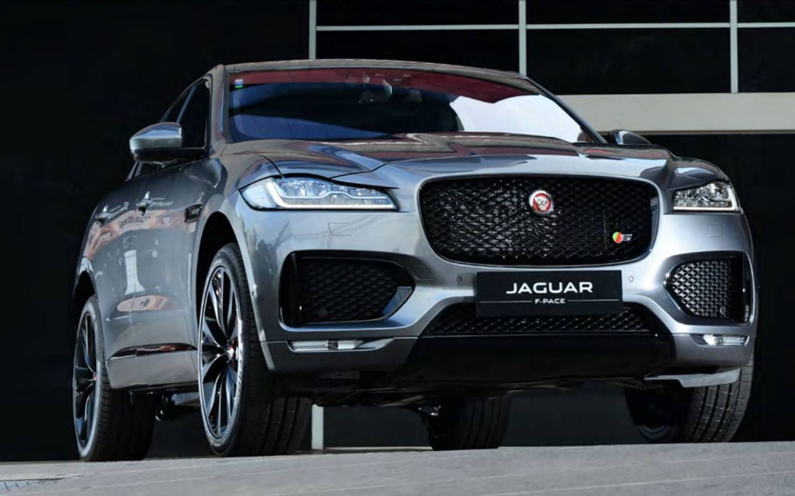 jaguar f pace suv de luxo chega ao brasil a r 309 mil car blog br. Black Bedroom Furniture Sets. Home Design Ideas