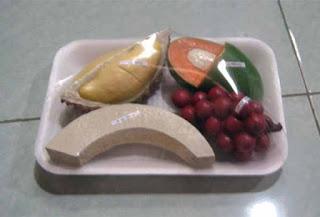 Replika buah melon, durian, anggur, mangga