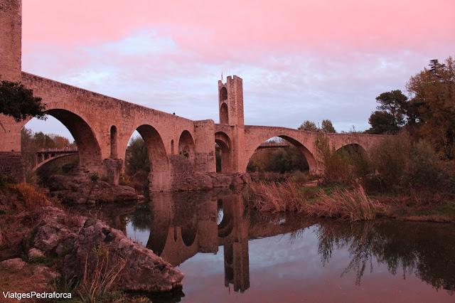 Besalú, Catalunya, la Garrotxa, Art romànic