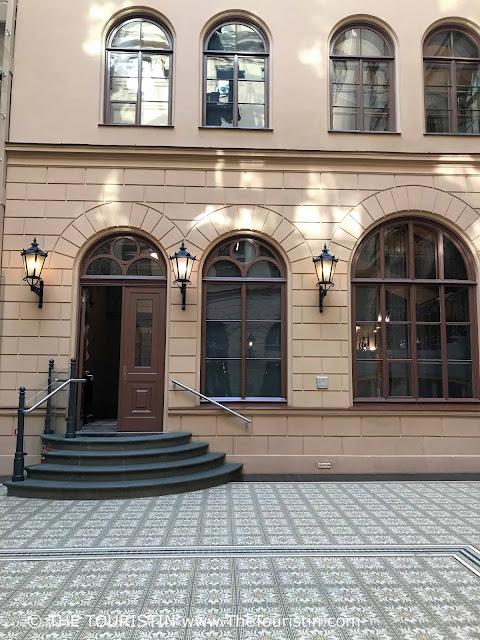 Art Museum Riga Bourse entrance hall