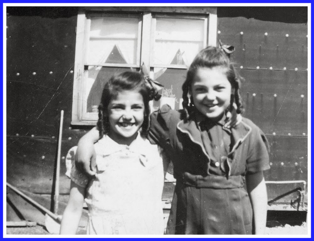 Normande Desgroseilliers and her sister Jeanne d'arc Desgroseilliers in about 1946