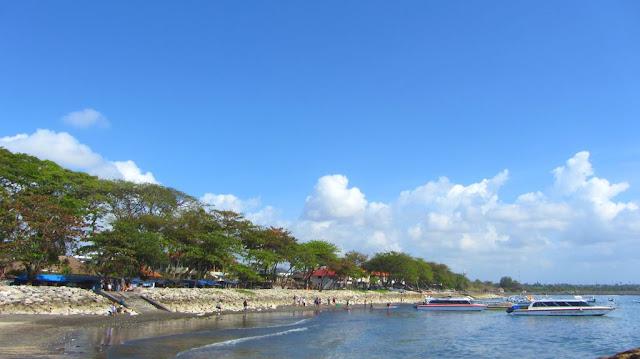 pantai sanur di siang hari