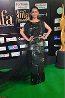 Akshara Haasan in Shining Gown at IIFA Utsavam Awards 2017  Day 2 at  28.JPG