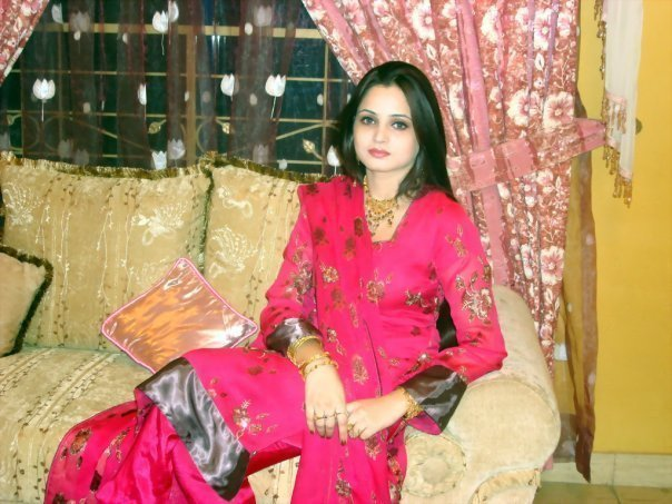 Facebook Pakistani Cute Girls 700 Pictures - Hottest -1385