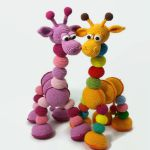 http://www.mediafire.com/file/5r28a1w5zka8eaq/Amalka-Giraffe-Hippehaaksels-french.pdf