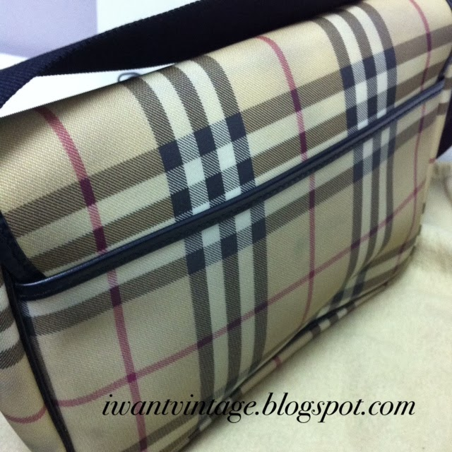 Burberry London Small Messenger Bag 50be58893a614