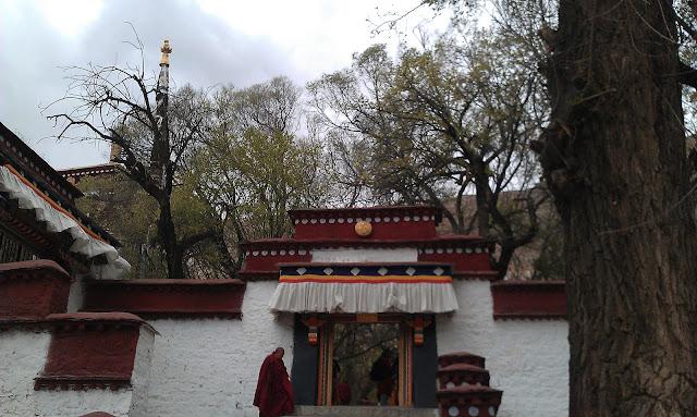 拉薩景點-色拉寺辯經場