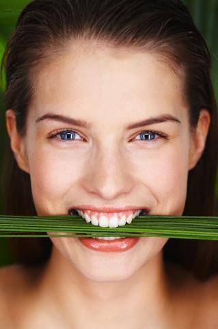 gel di aloe, igiene orale col gel di aloe, ricetta cosmetica dentifricio fai da te