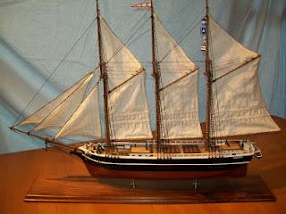http://beaufortartist.blogspot.com/2009/09/model-of-crissie-wright.html