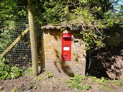 Photograph of Wall box VR on Wildhill Road near Woodside Lane, Woodside Image from the North Mymms History Project released under Creative Commons