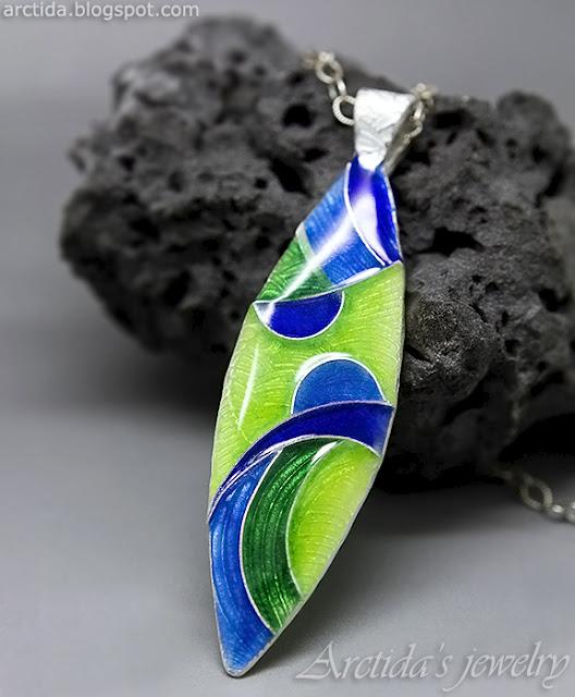 https://www.arctida.com/en/home/129-cloisonne-enamel-mosaic-pendant-fine-silver-necklace.html