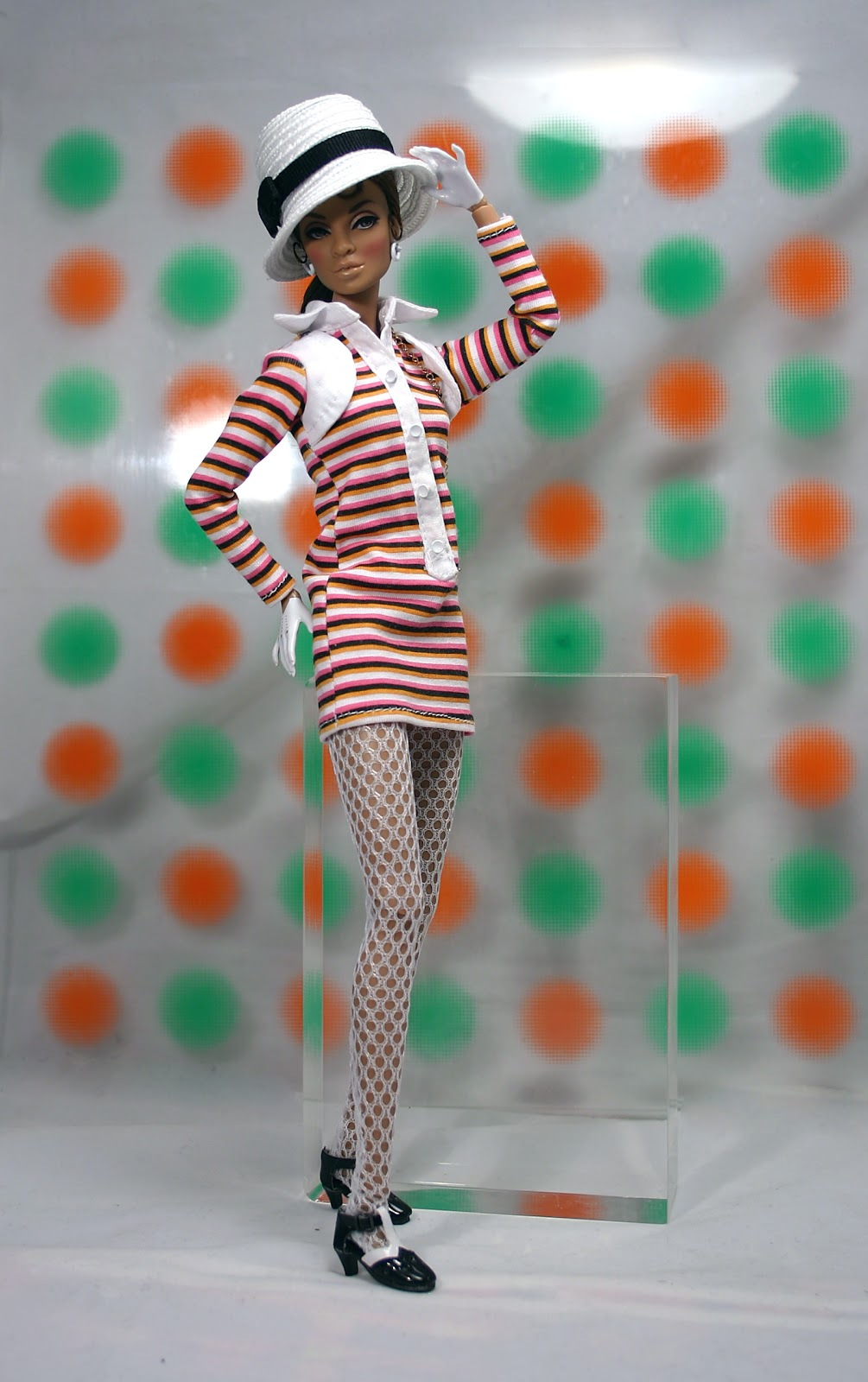 Swinging Sixties: The Fashion Doll Chronicles: Bus Stop Darla Daley