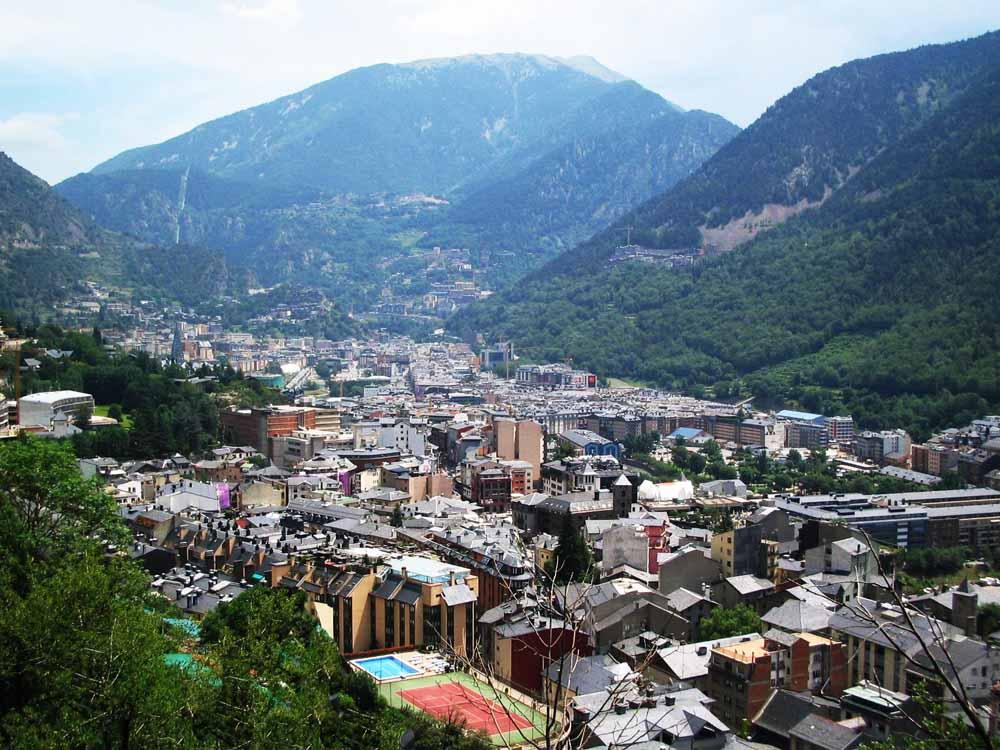 Fotos de andorra la velha cidades em fotos - Andorra la vella apartamentos ...