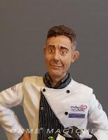 statuetta personalizzata ritratto cuoco uomo idea regalo fatta a mano milano lombardia orme magiche