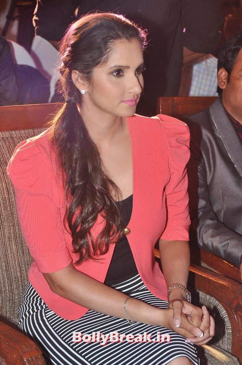 , Sania Mirza Red Hot Pics - Latest Images in Red Coat