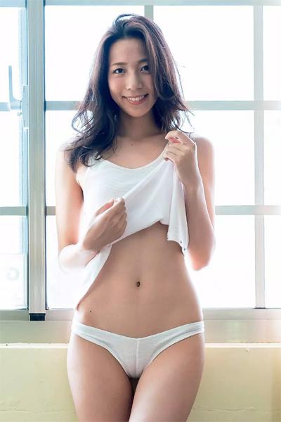 Seika Ikeoka 池岡星香, Weekly Playboy 2019 No.05 (週刊プレイボーイ 2019年5号)