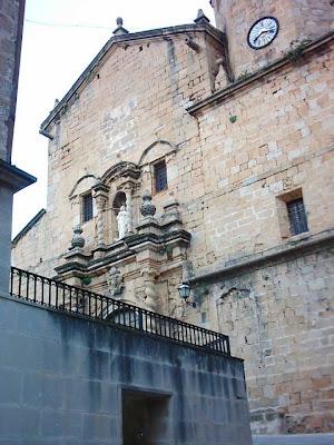 iglesia ,San Bartolomé, plaza ,Beceite ,Beseit, reloj, fachada