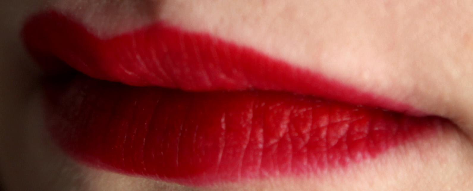 velvet mat lipstick kiko 607 ou l 39 attrape amants la vie nocturne du hibou. Black Bedroom Furniture Sets. Home Design Ideas