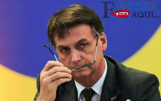 Bolsonaro sanciona lei que permite a aluno faltar à aula