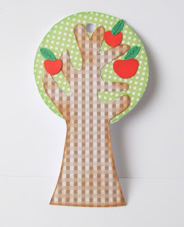 How to make an apple tree gift tag