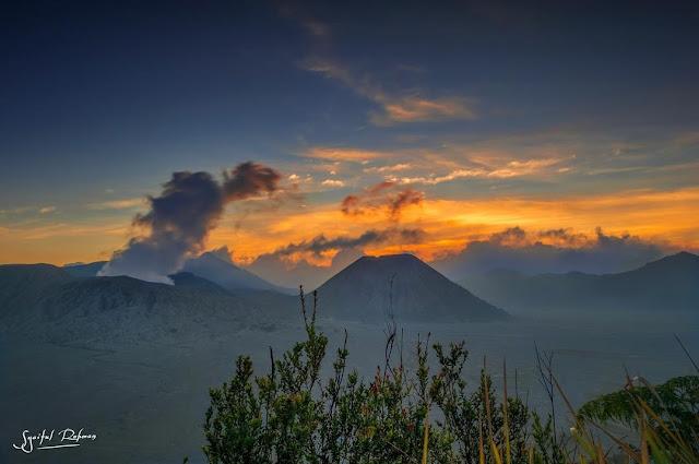 Bukit Mentigen, Spot Berburu Surise di Gunung Bromo