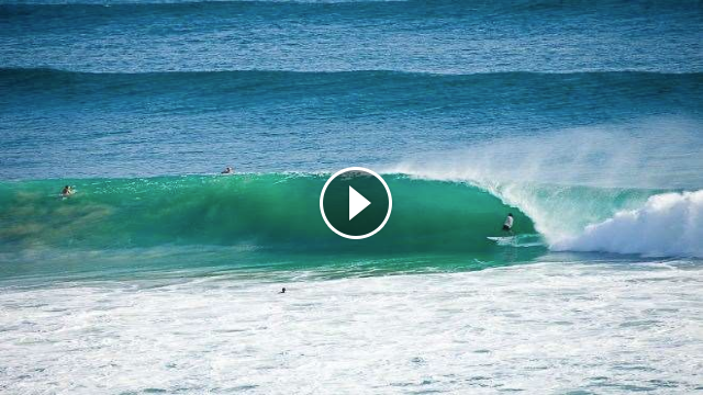 Surfing Kelly Slater surf at pumping Kirra