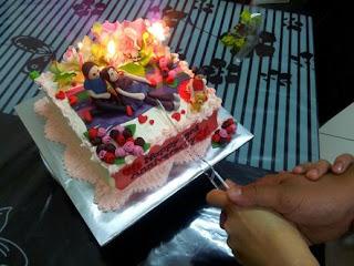 gambar kue ulang tahun pernikahan