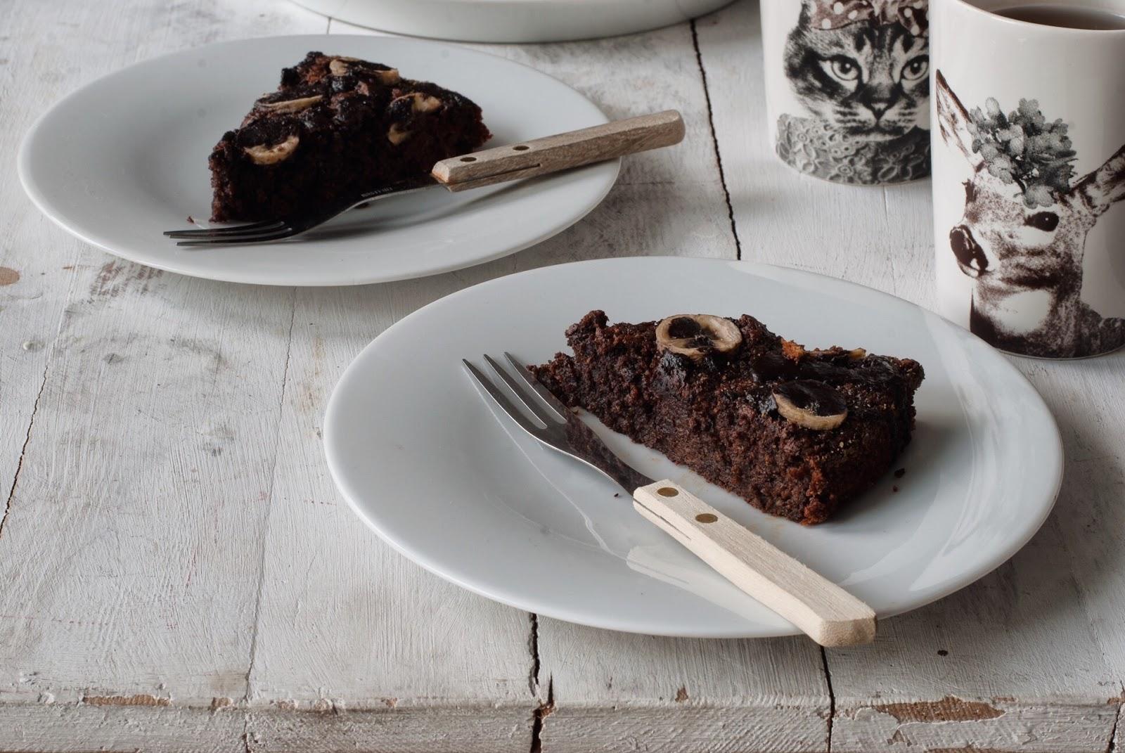 Wilgotne ciasto czekoladowe marchewkowe